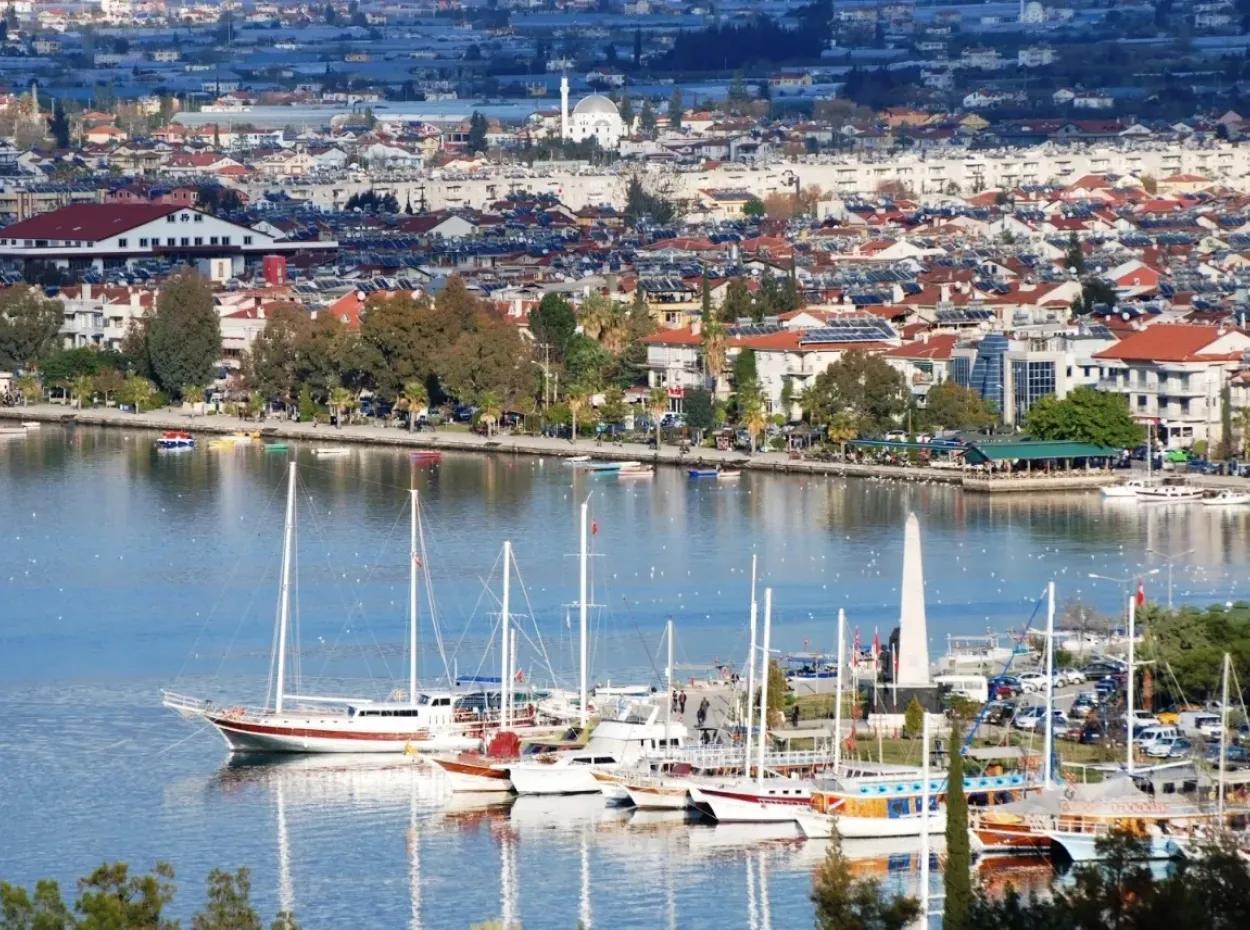 Türkei Häuser. Fethiye Immobilien-Büro.