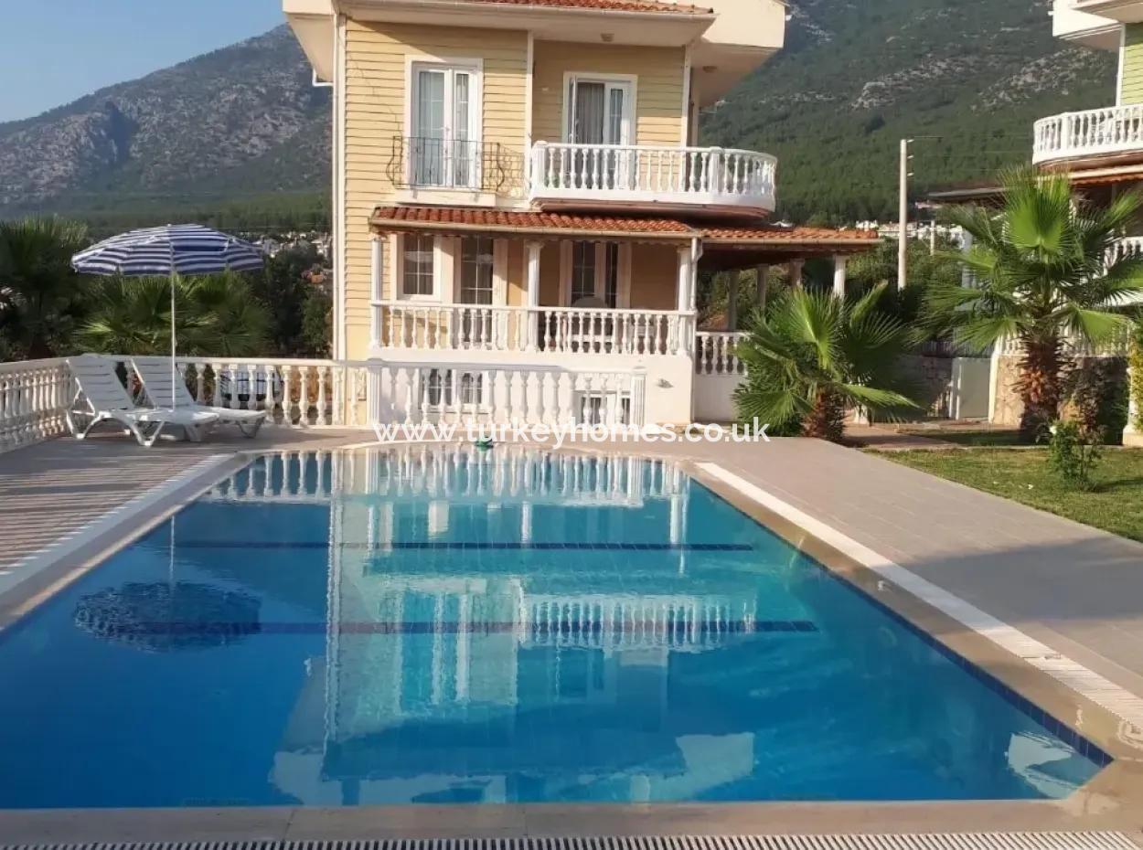 Oludeniz, At Ovacik Mevkii 4 Room Apartment For Rent In A Salon
