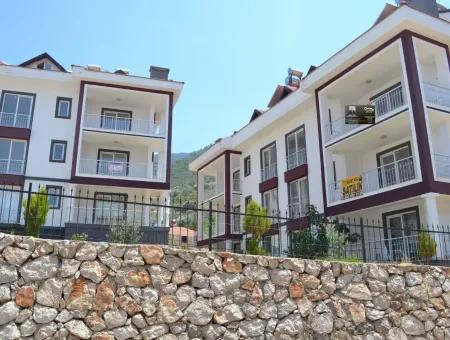 At Fethiye Karapinar For Rent 180 M2, Five Bedrooms And A Living Room Roof Duplex